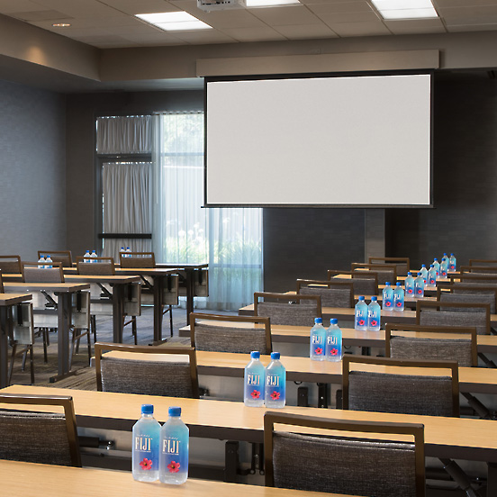 Courtyard by Marriott Meeting Conference Room